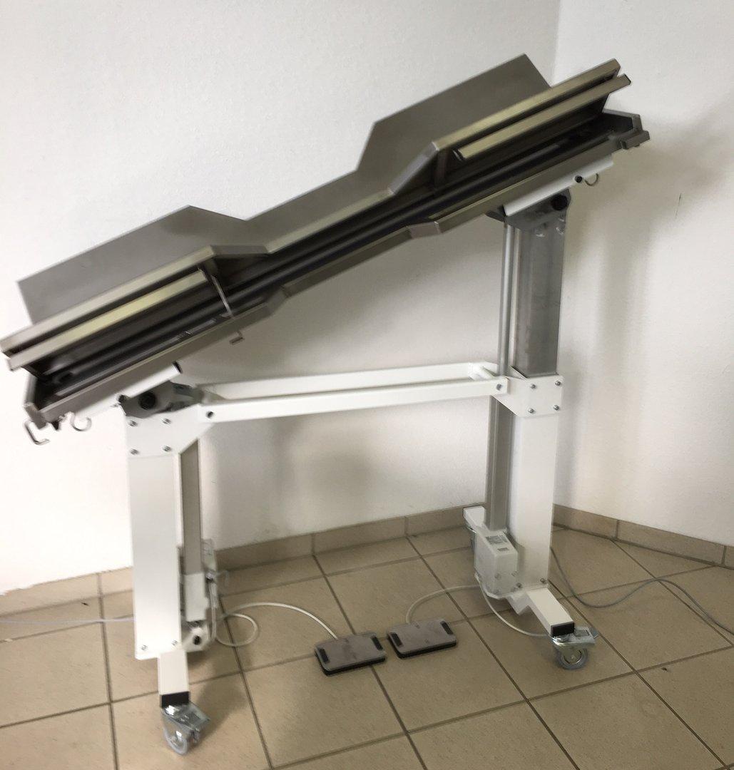 OP-Tisch Modell 3103VE Beidseitig Kippbar Ergonomische V